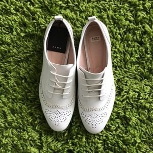 Zara White Faux Leather Summer Oxfords fits 8.5 39